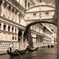 Фотообои Венеция монохромная DECOCODE 31-0016-WB (300х280см)